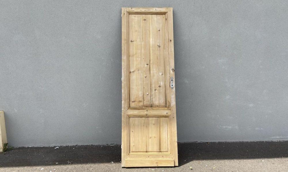 Quels sont les avantages du décapage chimique des portes intérieures en bois?